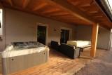 Jacuzzi terrasse chambre d'hôtes Au Coeur des Lacs Gérardmer Vosges