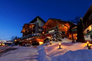 hotel bas rupt relais chateaux facade hiver