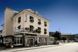 hotel-la-paix-facade-914