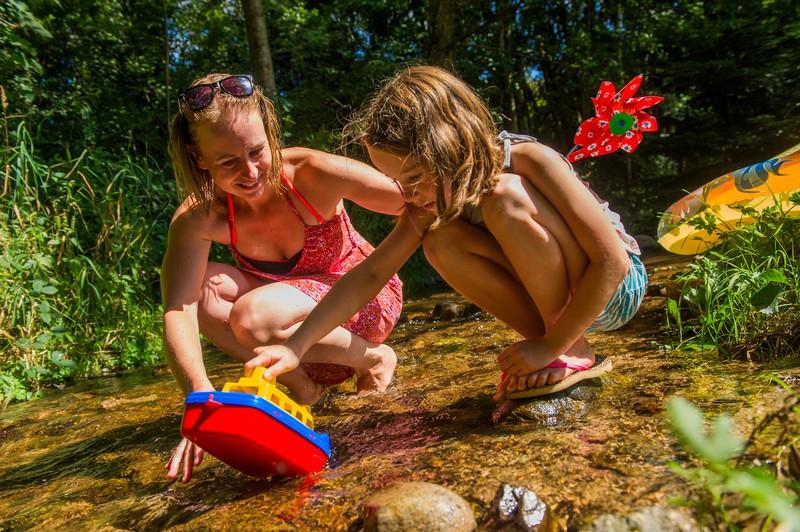 camping-au-clos-de-la-chaume-jeux-ruisseau-950