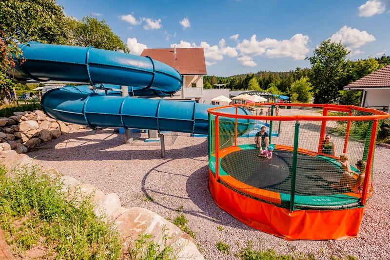 camping-la-steniole-trampoline-947