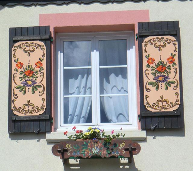gval-facade-411