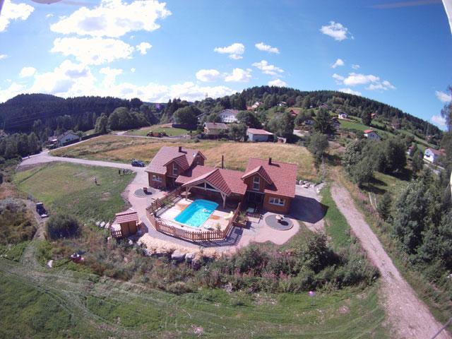 Location vacances chalet mitoyen 93 m 8 personnes for Location chalet piscine vosges
