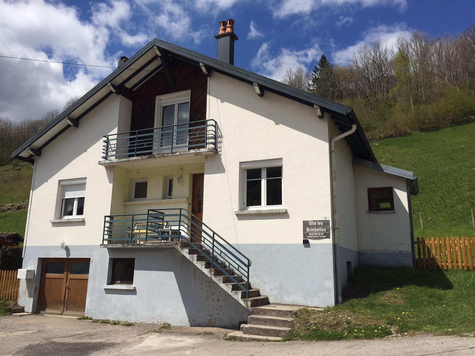 Location vacances maison 10 personnes 140m les brimbelles for Classement constructeur maison individuelle