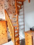 gb057-chambre2-escalier-833114